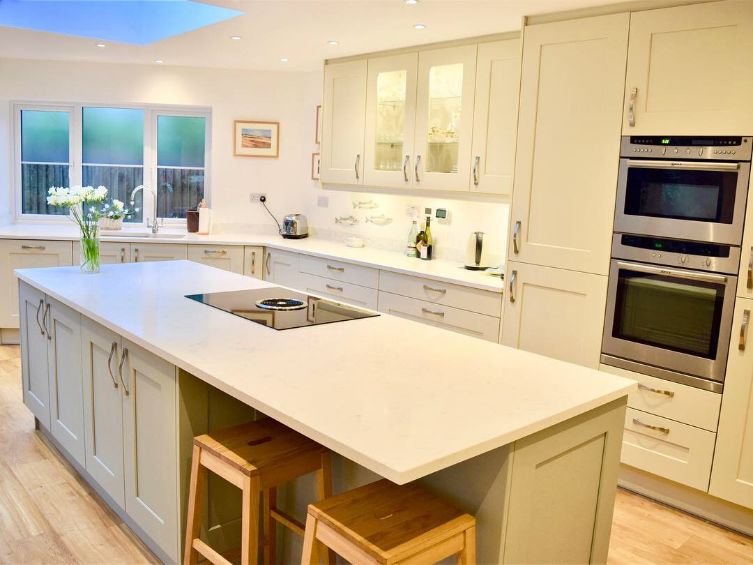 Contemporary  Hedge End Kitchens