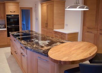 Classic Oak kitchen Hedge End