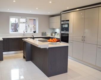 Grey Gloss top quality kitchen, Southampton